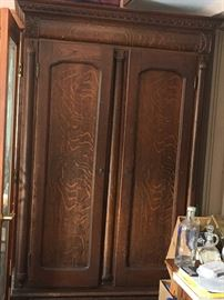 Early 1900's Oak knockdown armoire