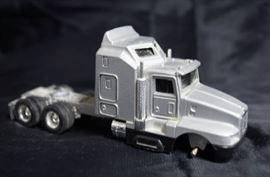 ERTL - Die Cast Replica Kenworth T600A 0179G - Cat ...