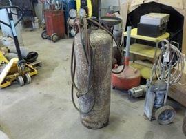 Tank w/ regulator and torch head