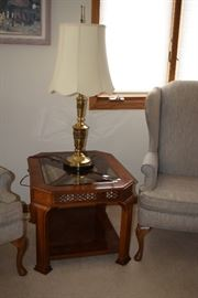 Wooden End Table With Glass Top & Brass Lamp