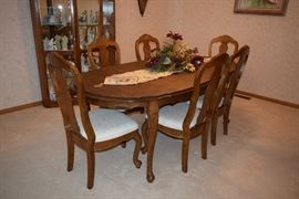Oval Dining Room Table  & 6 Chairs