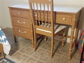 Bedroom Set 1 Desk Chair