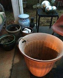 Lots of pots, plant stands, etc.