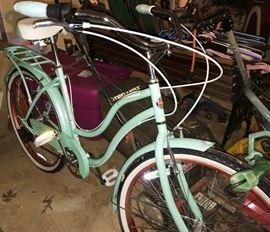 Vintage Style Schwinn Perla Bicycle