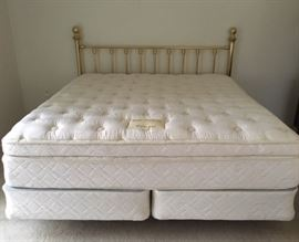 "Simmons Beautyrest ""Plush"" King Mattress/Springs"