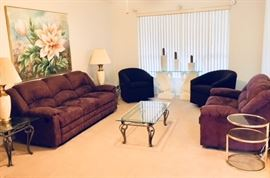 Dual reclining sofa and matching love seat