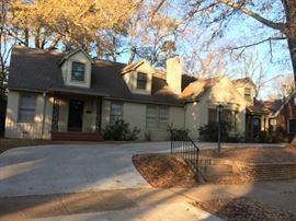 Wonderful appointed home in the Azalea district of Tyler