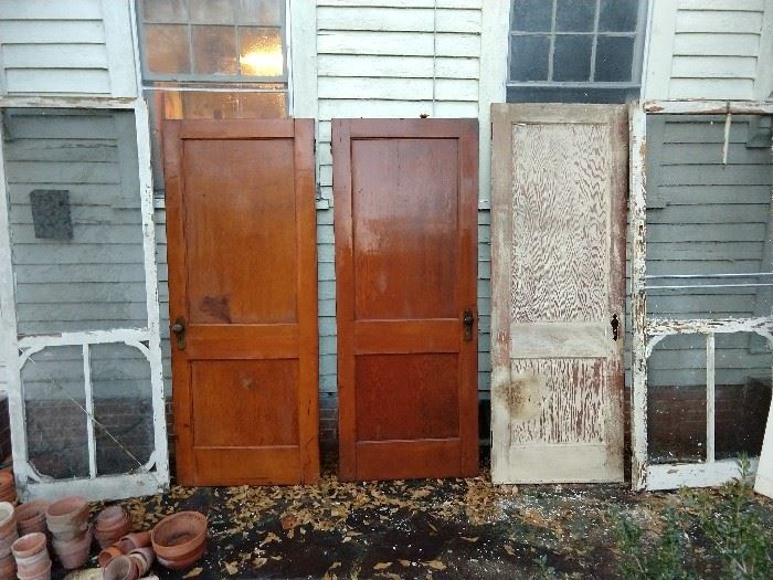 Look what we found in the secret hiding place?               Yep, vintage screen doors and solid heart pine doors, with original hardware.                                                             Spring restoration projects are now complete!