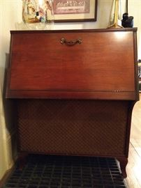 A vintage mahogany stereo cabinet, Governor Winthrop style,  by the Allen B. Du Mont Labs, Inc. Patterson, NJ - sexy full frontal image...