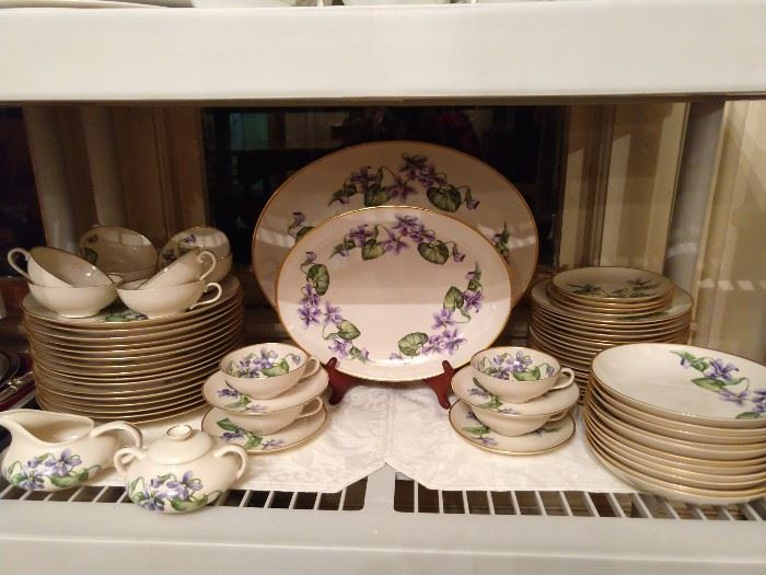 """69-Piece set of """"Olympic"""" china, by Franciscan - springy and happy, just like you!"""
