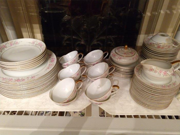 "77-Piece set of china, ""Lois"" by Jyoto china, Japan."