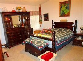 Bennington Pine Bedroom set Queen bed, Vanity-Dresser and two end tables