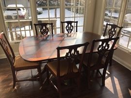 Henkel Harris Dining Room set, with  6 chairs and 2 leaves.