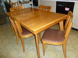 Beautiful Vintage Baumritter Table & Chairs..only 2 shown, but there are 6 chairs and a built-in leaf