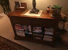 Book shelf, entrance table