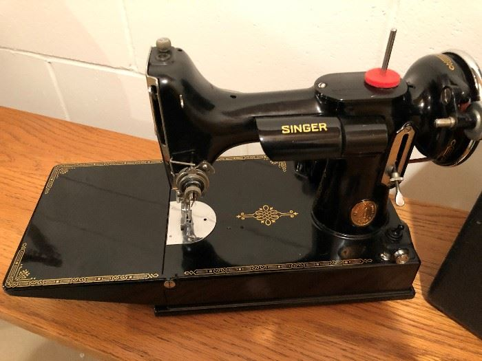 Antique Singer Featherweight Sewing Machine