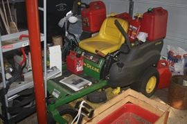 JOHN DEER ZERO TURN MOWER ~ MORE PICTURES BELOW