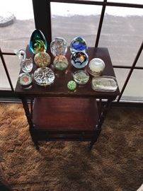 One drawer side table and assorted paperweights