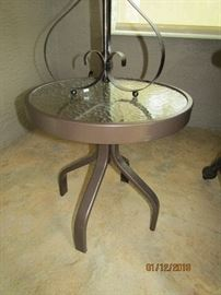 METAL TABLE..