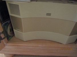 BOSE SYSTEM.. CD AND RADIO UNIT WITH SPEAKERS AND ALL