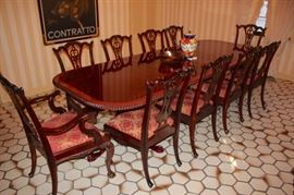 Quality Chippendale Dining Room Table with Two Leaves +10 Chairs