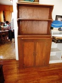Handy hutch with shelving