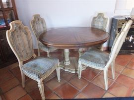 Very nice small dining table or formal dinette