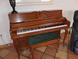 Beautiful Baldwin piano and bench - recently tuned