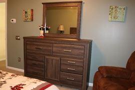 Signature Design Queen Bedroom Suit Bed, High Chest, Dresser with Mirror, and 2 nightstands