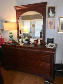 Items on dresser may not be for sale. The owner has not cleared it off yet.