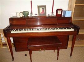 nice piano & bench