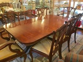 Henredon double pedestal table (includes 3 leaves)