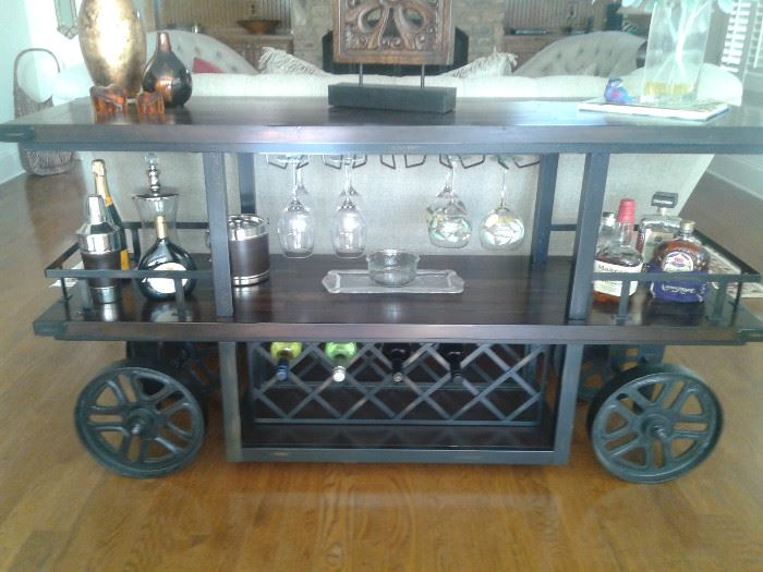 Wayne Bar Console-Haverty's