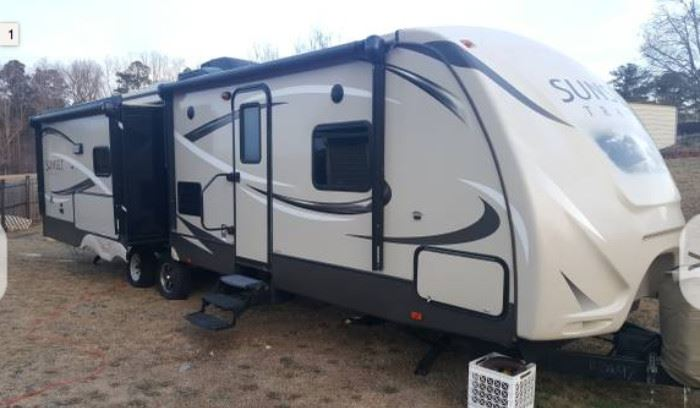 2015 CrossRoads Sunset Trail Reserve 32RL Travel Trailer. More pictures at the end of photo album.