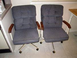 Kitchen:  2 Chairs