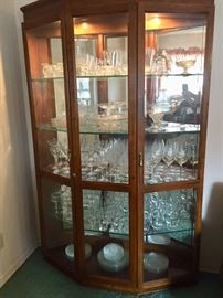 Curio cabinet with 5 shelves and dimmer lights
