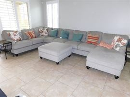 Ashley Sectional (5 pcs)