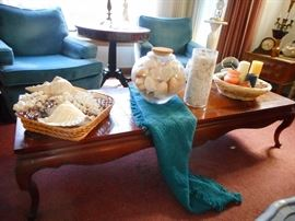 Cocktail Table Leather Raised Top,Queen Ann Legs. SEA SHELLS..all sorts of sizes
