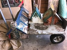 So many birdhouses!!