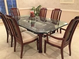 Thomasville dining room table and chairs - 1~ thick beveled glass - 4 chairs, 2 captain's chairs, 2 extra chairs