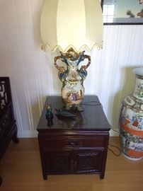 Standing Capodimonte lamp with beautiful shade