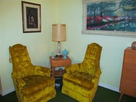 Pair of Upholstered Side Chairs Heywood Wakefield End Table, one of a pair of 1950's Table Lamps, Framed Print, Framed Oil Painting, Accessoties