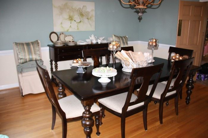 Paula Deen Home Dining Room Suit