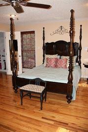 Paula Deen Home Queen Poster Bed