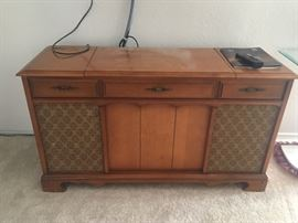 Vintage Turn table stereo cabinet, circa 1960 Solidstate by Sears. Works