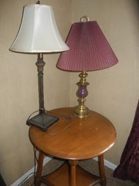 Nice round table, two lamps