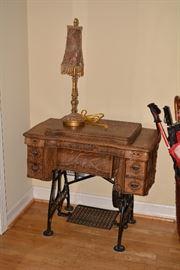 Vintage Sewing Machine, Lamp
