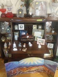 picture frames, glassware