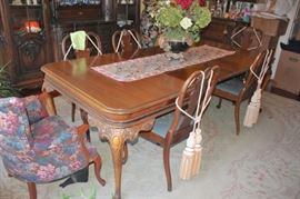 Dining Room Table & Chairs with Decorative Tassels