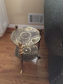 Side accent table